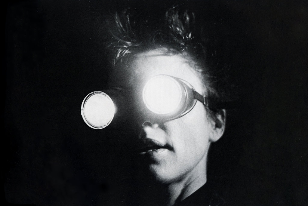 an overview of the work by laurie anderson an american experimental performance artist composer and